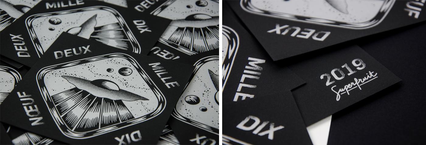 Détails des cartes de vœux 2019 sérigraphiées en zoomant sur la soucoupe volante, les oeuf et la typographie