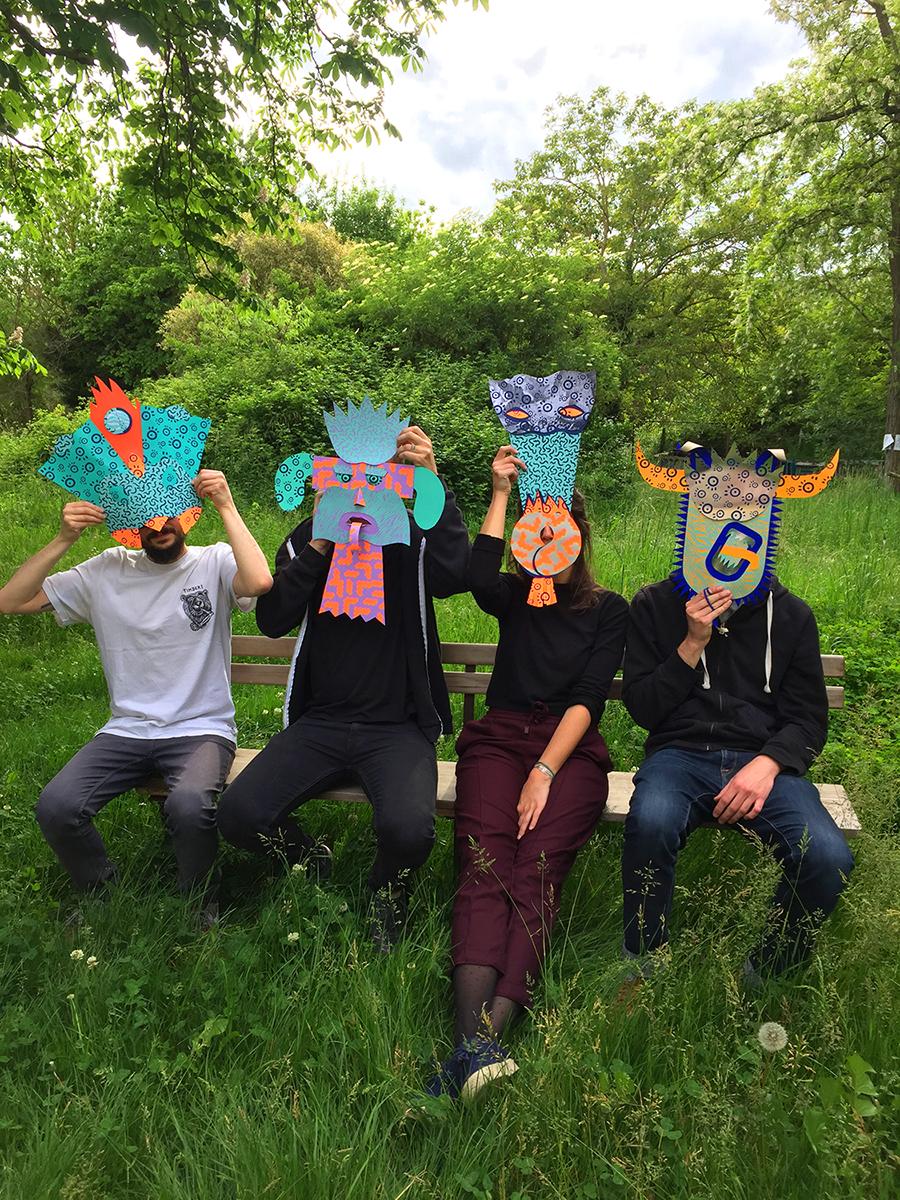 """Test de """"Macarade"""" avec la team Pépite : présentation des masques réalisés en sérigraphie et papiers découpés"""