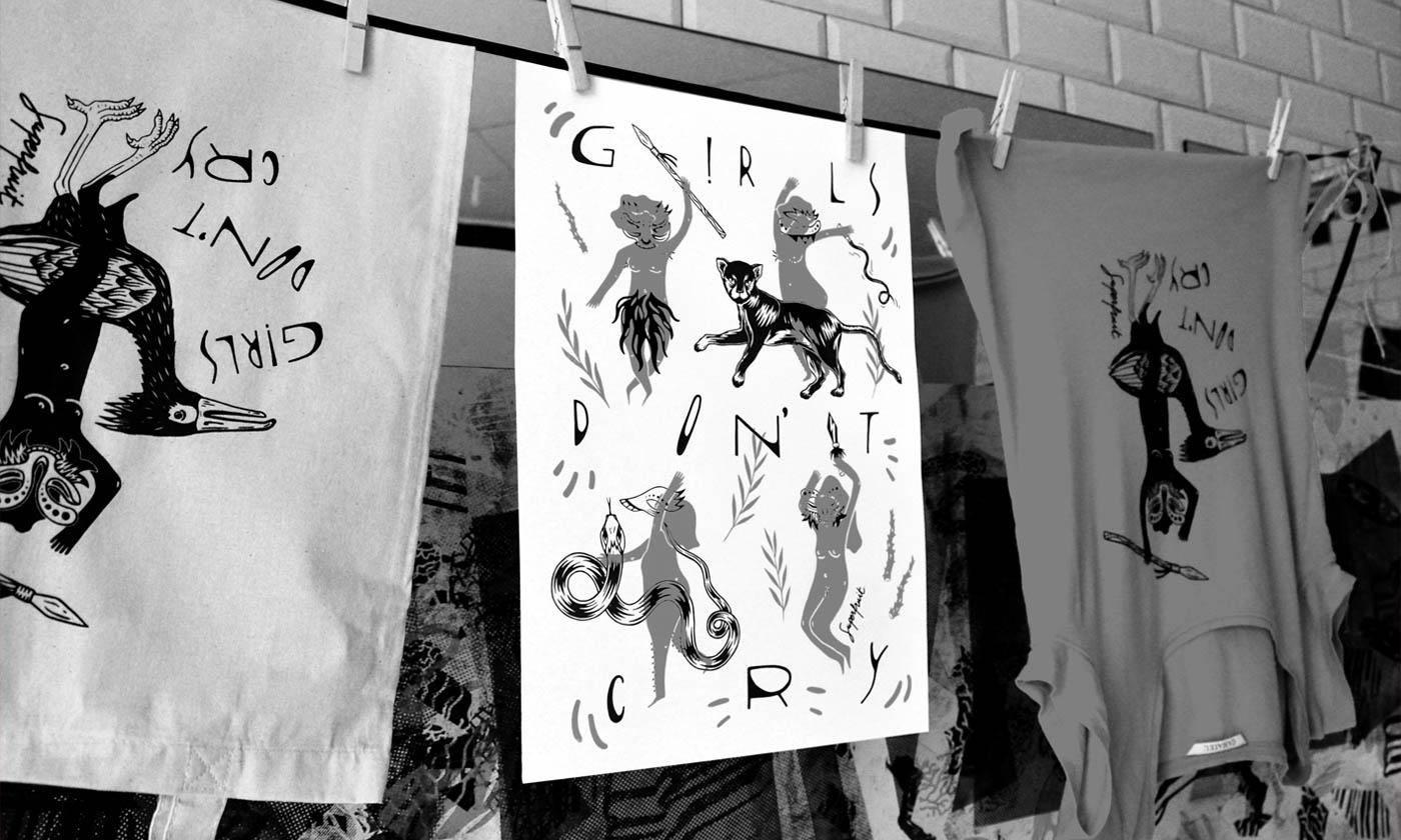 Affiches, tote bags et t-shirts imprimés en sérigraphie accrochés avec des pinces à linge pour sécher