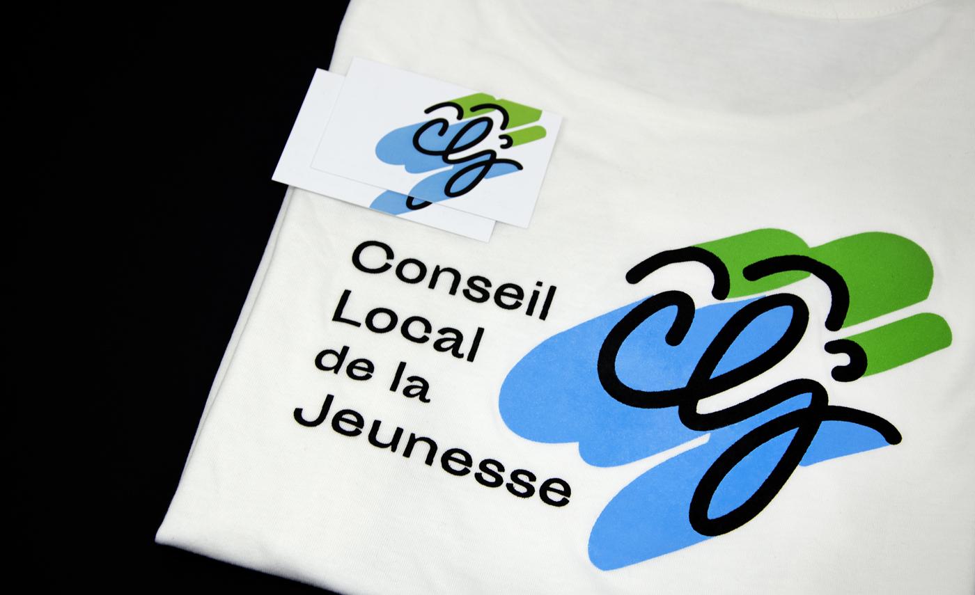 Ensemble de supports pour CLJ-Grand Montauban : logotype sur t-shirt et cartes de visite